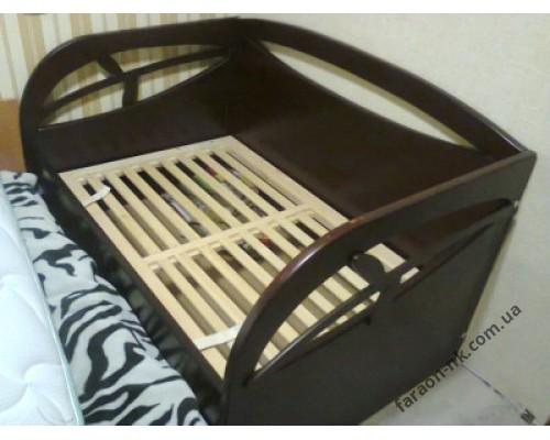 Кровать детская из массива дерева №9