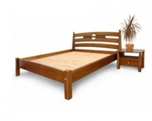 Кровать из дерева - Классика