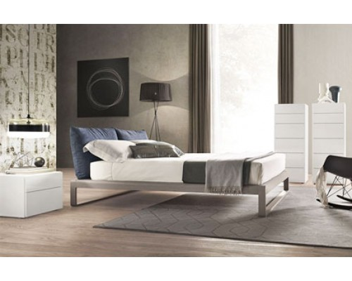 Мягкая кровать для спальни из дерева - «Мартин»