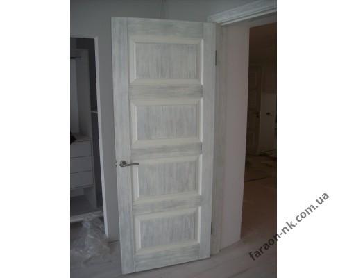 Дверной блок из дуба
