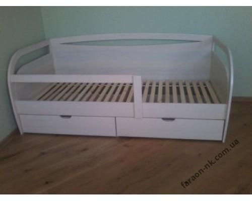 Кровать детская из массива дерева №10