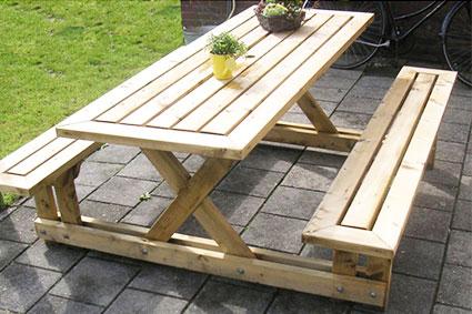Стол из дерева дачный с скамейками