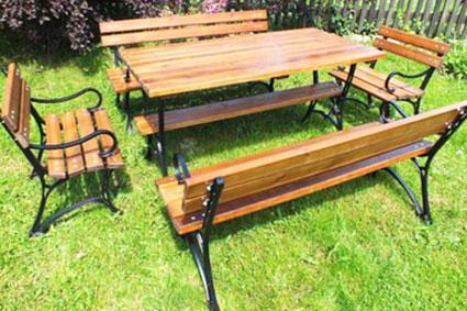 Стол для частного участка со скамейками